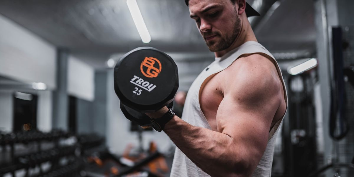 Bodybuilding Stretch Marks on Biceps (How to Prevent & Manage Them)