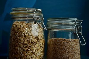 jar of oats for smoothie